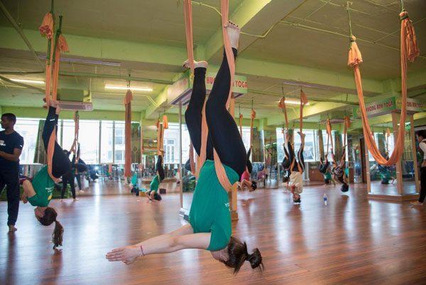 Điểm mặt những lợi ích thần kỳ của Yoga dây