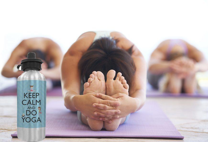Bạn cần mang theo bên mình một bình nước uống để bổ sung ngay lập tức trong mỗi buổi tập