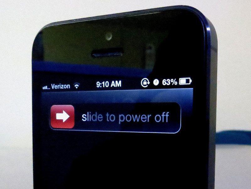 Các thiết bị điện tử như điện thoại di động sẽ không được các phòng tập Yoga cho mang vào