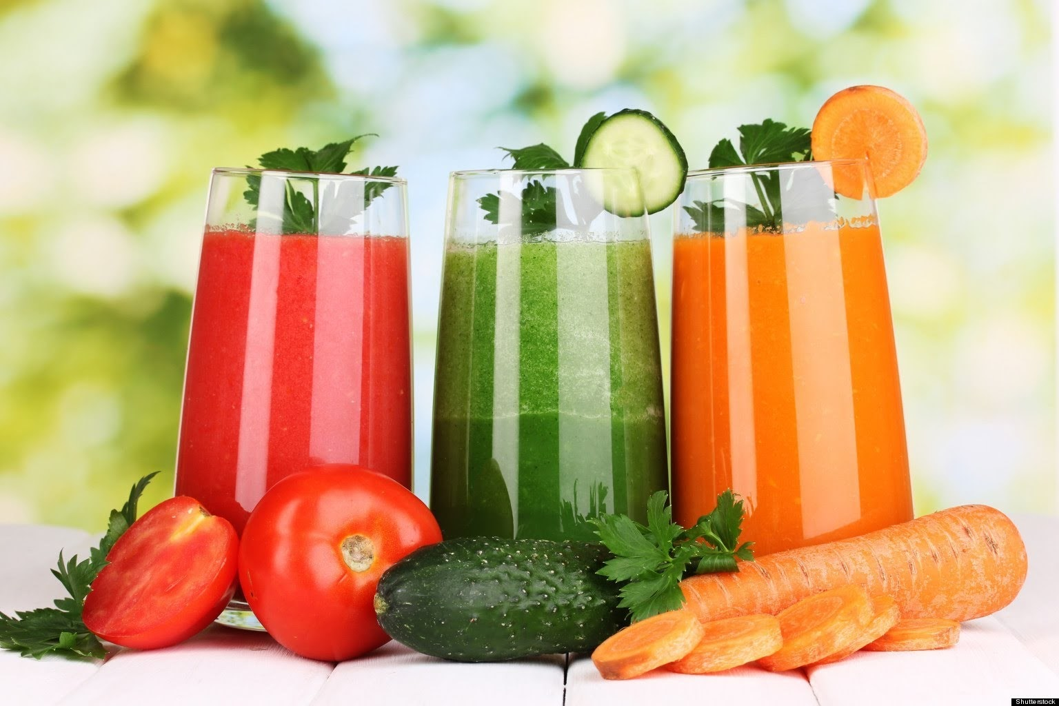 Những người tập yoga gạch có thể dùng 1 ly nước ép hoa quả sau mỗi buổi tập
