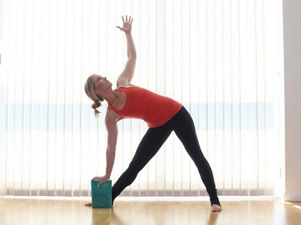 Yoga gạch sẽ giúp hỗ trợ hiệu quả trong các động tác luyện tập