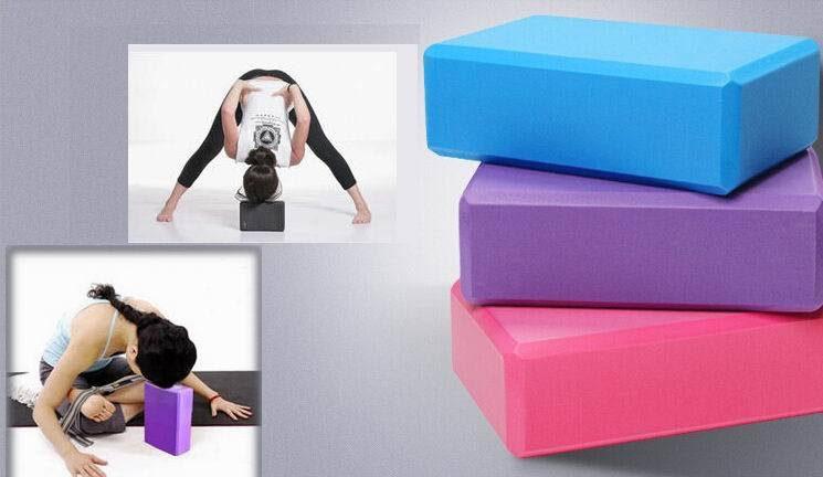 Yoga gạch là gì? Tại sao người mới tập nên tập yoga gạch tại Bình Dương?