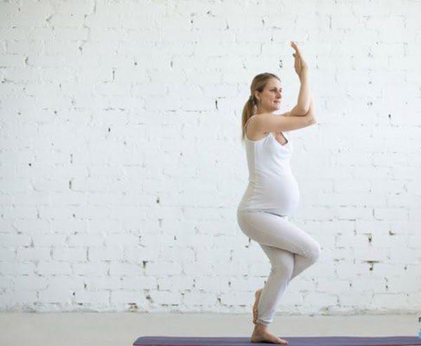 Vì sao bạn nên theo học lớp yoga bầu TPHCM?