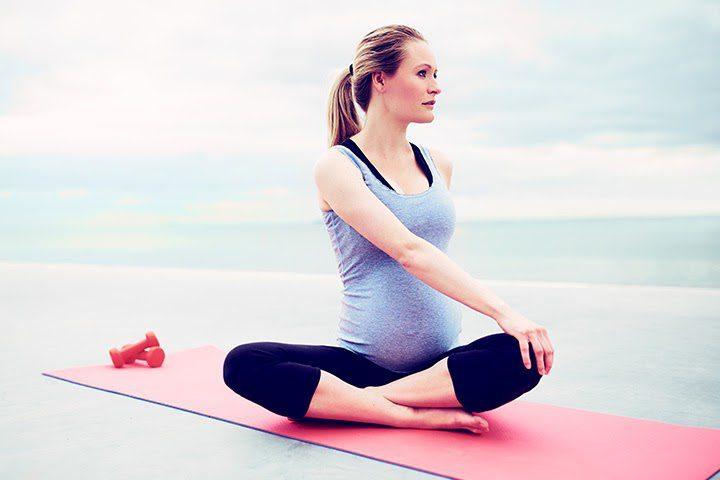 Các bài tập yoga bà bầu 3 tháng giữa