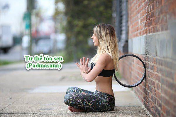 Yoga vòng có tác dụng làm thư giãn bụng và cơ quan sinh sản