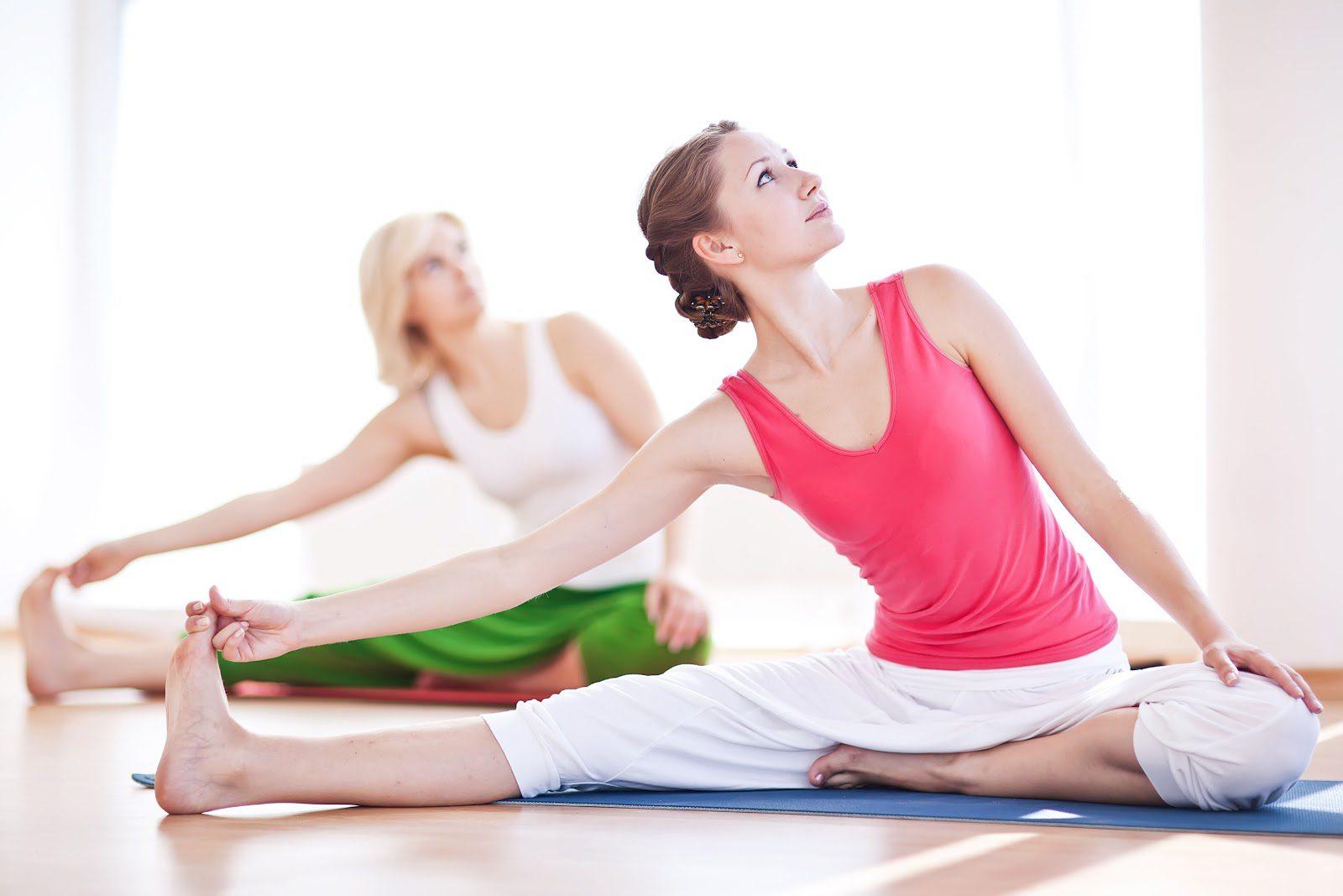 Bạn phải tiến hành khởi động trước khi tập luyện yoga vòng