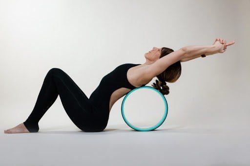 Yoga vòng tạo cho con người trạng thái điểm tĩnh và sự cân bằng cần thiết cho cơ thể