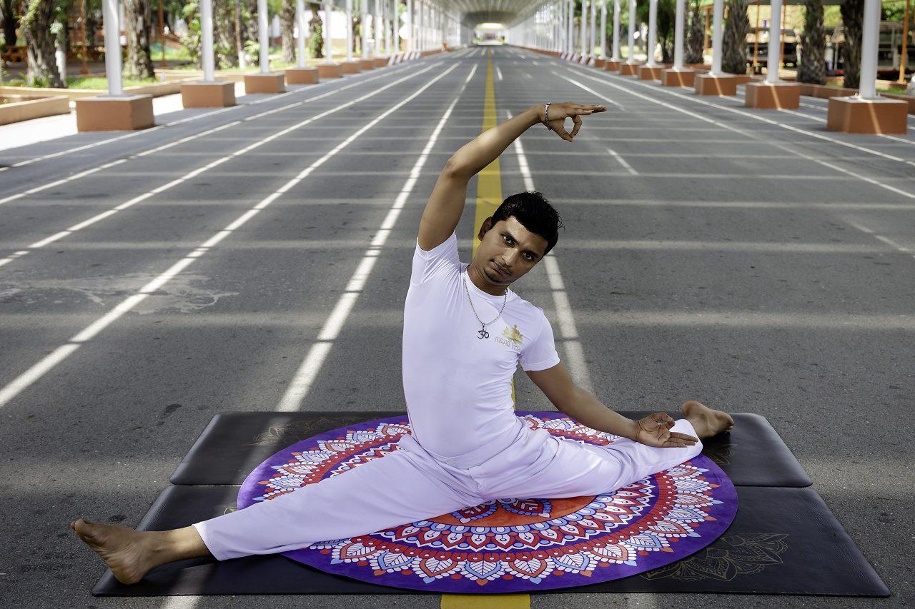 huấn luyện viên maha yoga ở bình dương