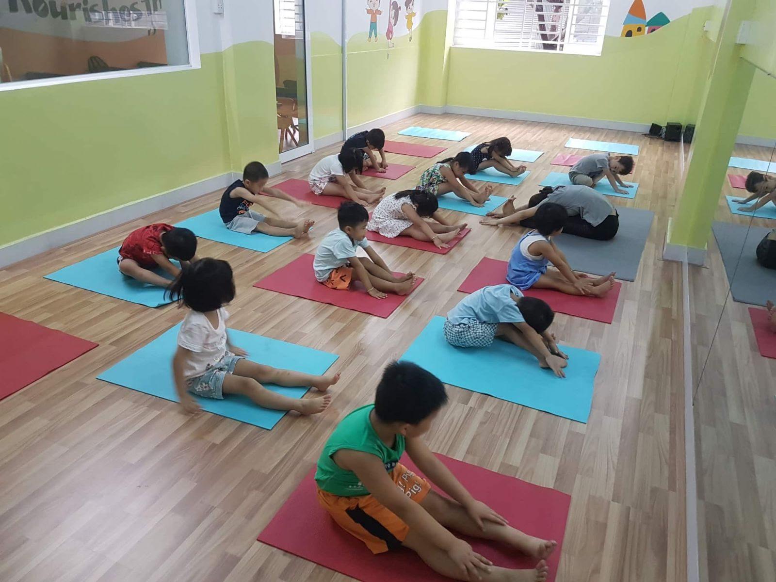 Bộ môn YogaKids phù hợp với các bé trong độ tuổi phát triển về cơ thể