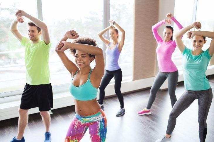 Nhảy zumba ở Bình Dương, bạn nên chọn trang phục tập luyện zumba thoải mái