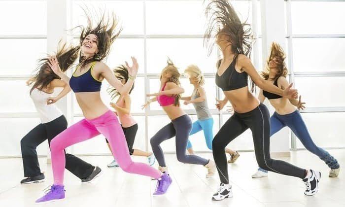 Nhảy zumba ở Bình Dương bạn nên chọn giày thể thao chất lượng, mềm mại