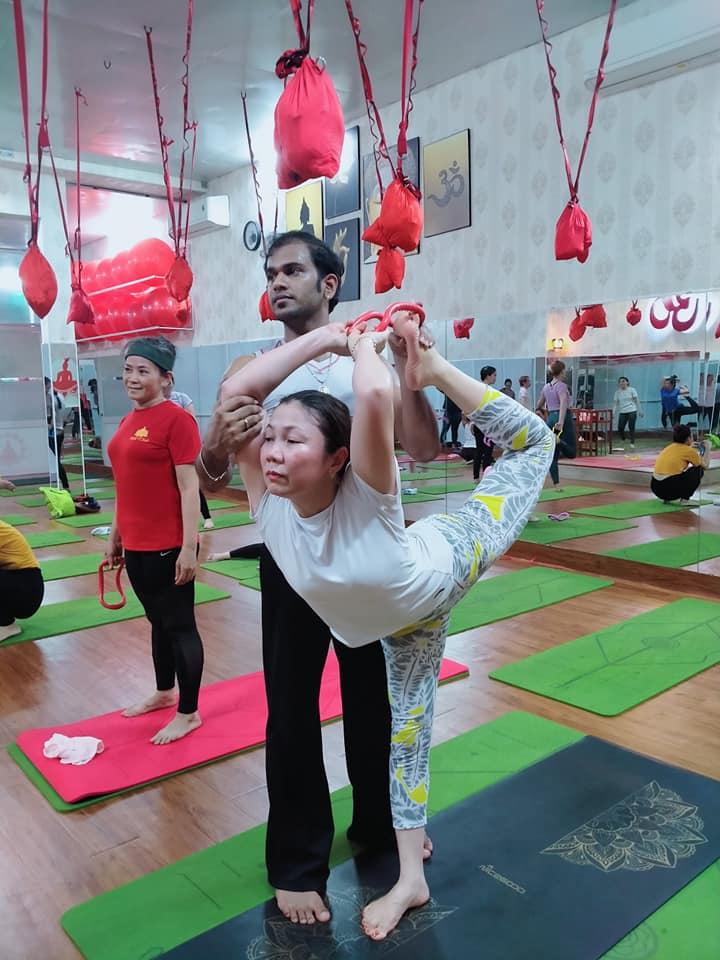 yoga với vòng myring tại bình dương