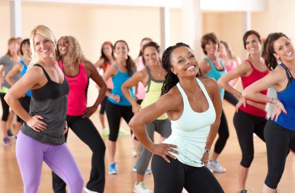Nhảy zumba đơn giản bộ môn thể thao giảm cân hiệu quả và đảm bảo an toàn được nhiều bạn trẻ lựa chọn