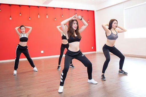 Nhảy zumba Bình Dương giảm béo siêu tốc là nhờ các động tác nhảy nhanh