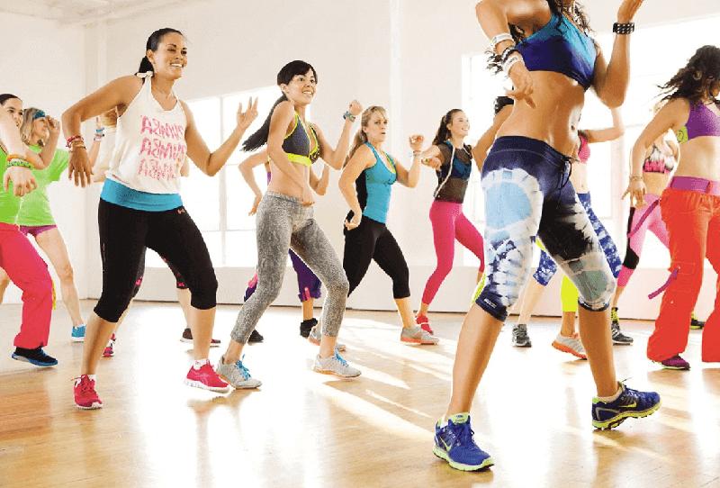 Bạn đã khởi động kỹ trước khi luyện tập nhảy zumba cổ điển?